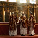 Cross, Altar and the Right Way of Praying
