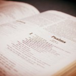 Bible open to Psalms. Image credit: Marcos Santos, Brazil (marcos_bh, stock.xchng).