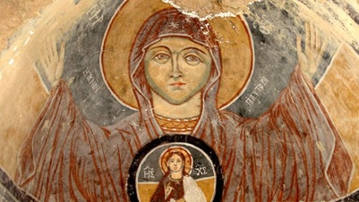 icon-on-ceiling-of-blessed-mother-and-jesus